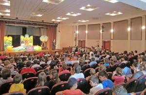 """Teatrul """"Luceafărul"""" Iaşi, factor al """"promovării imaginii pozitive a României"""""""