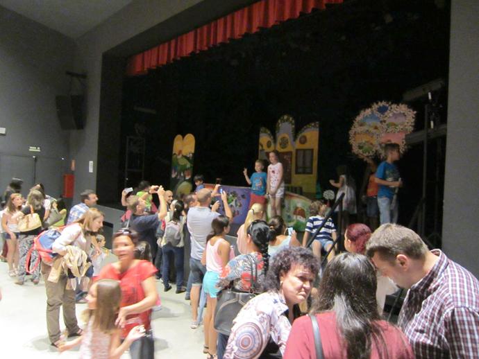 Peste 500 de spectatori la Malaga, la Caja Blanca