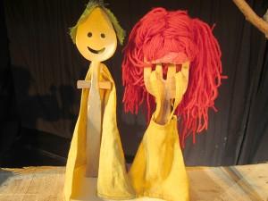Hansel și Gretel, storytelling și teatru de obiecte