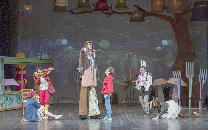 """Când visăm..., o nouă coproducție internațională la Teatrul """"Luceafărul"""""""