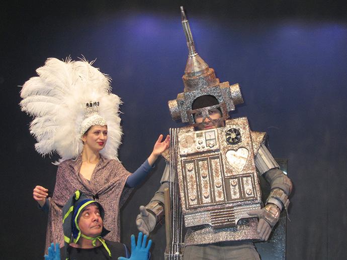 """Premieră la Teatrul """"Luceafărul"""""""