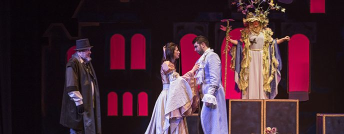 """Frumoasa și Bestia este cel dintâi nou titlu pe care artiștii de la Teatrul """"Luceafărul"""" din Iași îl adaugă pe afișul permanent al instituției."""