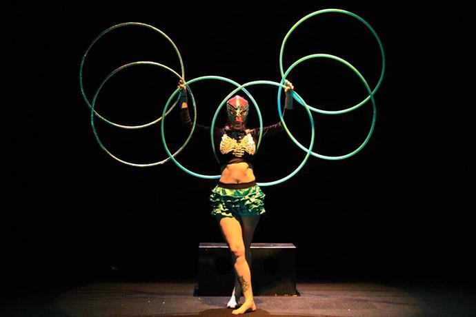 FIESTAeste o imersiune totală în cultura mexicană în forme variate, specifice artei circului