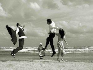 Băieţi, fete şi împrejurimi - Expoziție de fotografie Radu Afrim