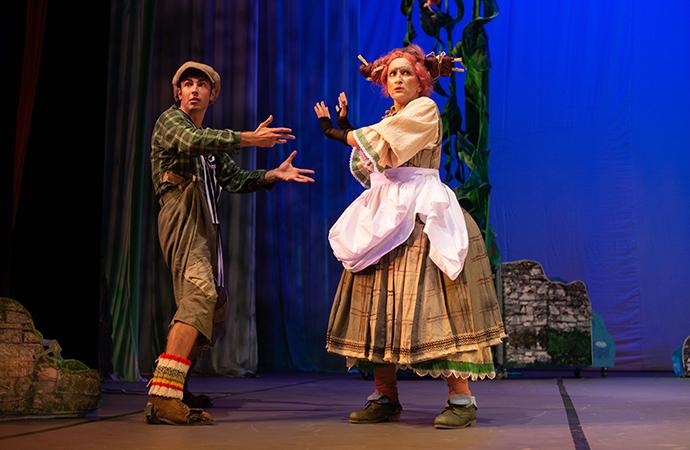 cea dintâi premieră din această stagiune a Teatrului Luceafărul: Jack și vrejul de fasole