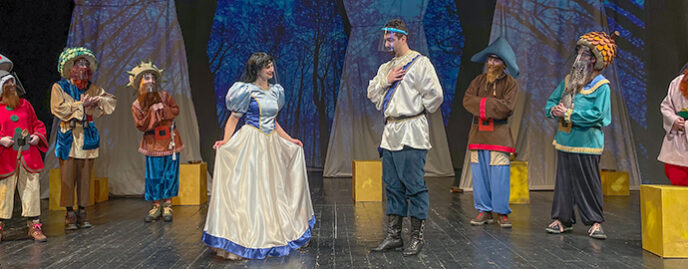 Ziua Internațională a Teatrului pentru Copii și Tineret, premiera spectacolului ALBĂ CA ZĂPADA