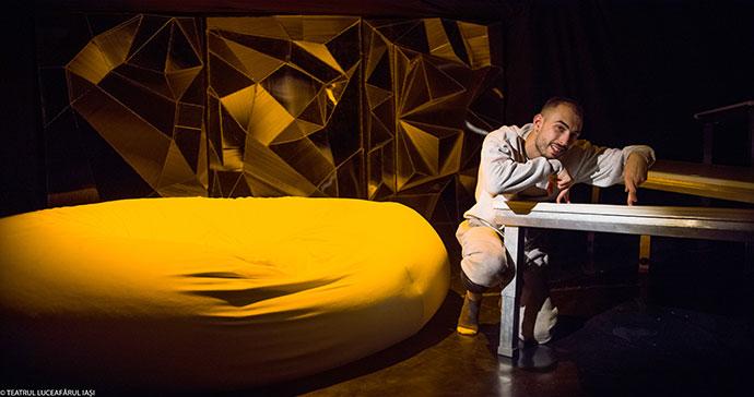 Teatrul Luceafărul Iași HIKIKOMORI de Holger Schober