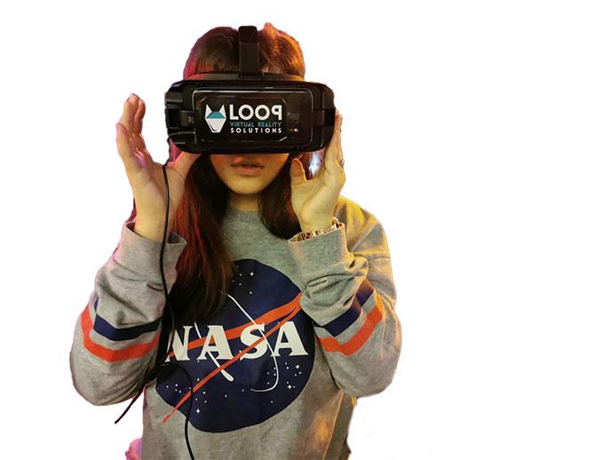 INSULA DE TEATRU VR Pătrunde în inima acțiunii cu ajutorul realității virtuale