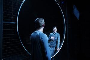 Teatrul Švanda Praga THEaiTRE/IA: CÂND UN ROBOT SCRIE O PIESĂ